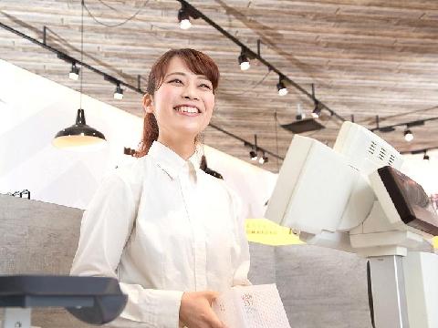 FOOD&TIME ISETAN 品川店の求人画像