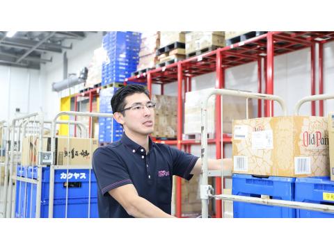 カクヤス 東神奈川センター 倉庫内作業スタッフの画像・写真