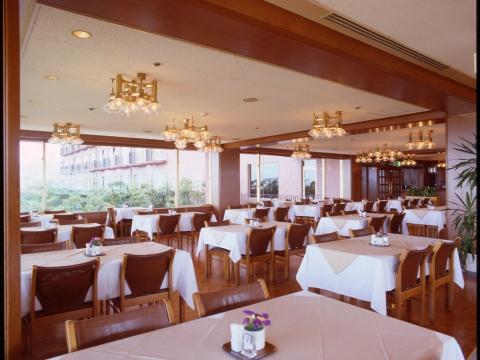 大仁ホテル ≪レストランホールスタッフ≫の画像・写真