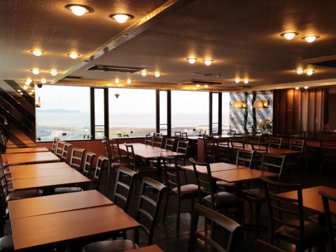 ウオミサキホテル ≪レストランホールスタッフ≫の画像・写真