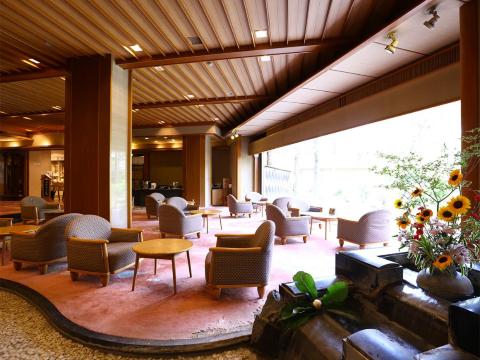 上諏訪温泉油屋旅館 ≪レストランホールスタッフ≫の画像・写真