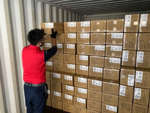 オーティーティーロジスティクス株式会社 松阪営業所【荷物の積み降ろし】の画像・写真